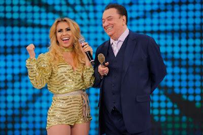 Raul Gil e Joelma (Crédito: Rodrigo Belentani/SBT)