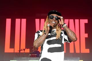 Music: Lil Wayne - Family Feud Ft. Drake