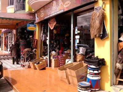 Quisapincha Artesanías en Cuero Ambato Ecuador
