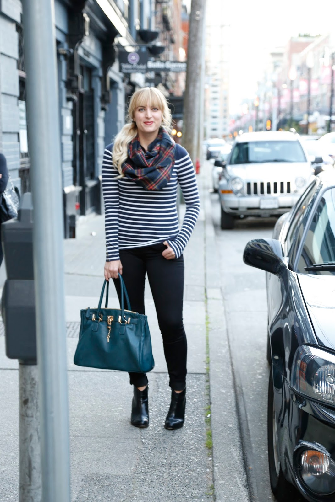 ankle-boots-that-lengthen-your-legs