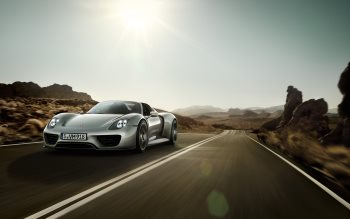 Wallpaper: Porsche 918 Spyder Prototype