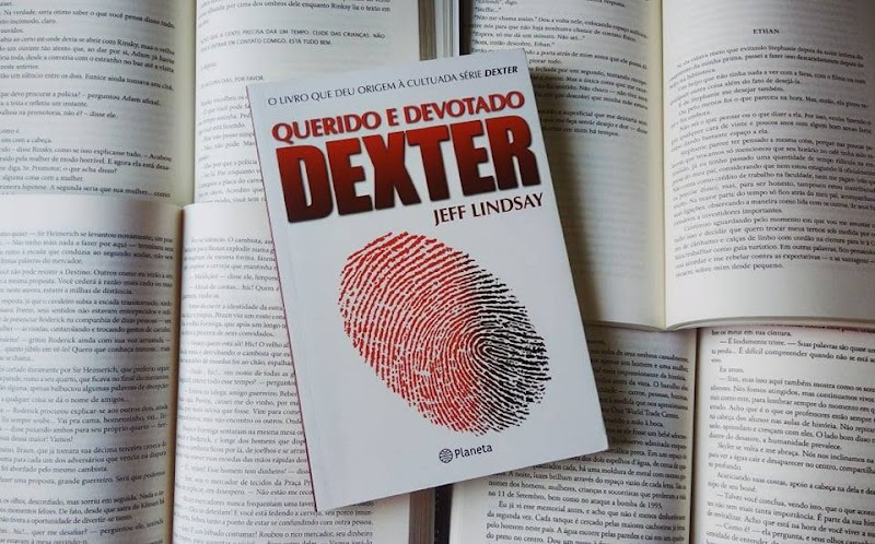 [RESENHA #629] QUERIDO E DEVOTADO DEXTER - JEFF LINDSAY