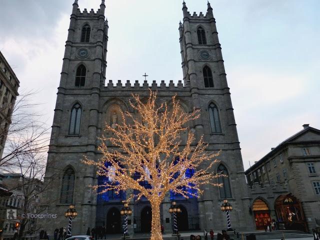 Wow, die weihnachtliche Beleuchtung hier ist wunderschoen