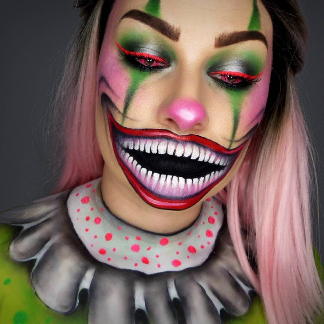 08-Neon-Clown-Lola-von-Esche-Body-Painting-Transformations-with-Makeup-Applications-www-designstack-co