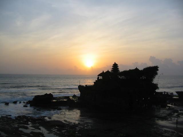 Bali - Sonnenuntergang am Tempel Tanah Lot