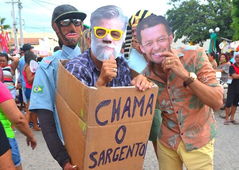 Bloco A Soma da + de 300 arrasta uma multidão pelas ruas de Areia Branca. Confira os clicks!
