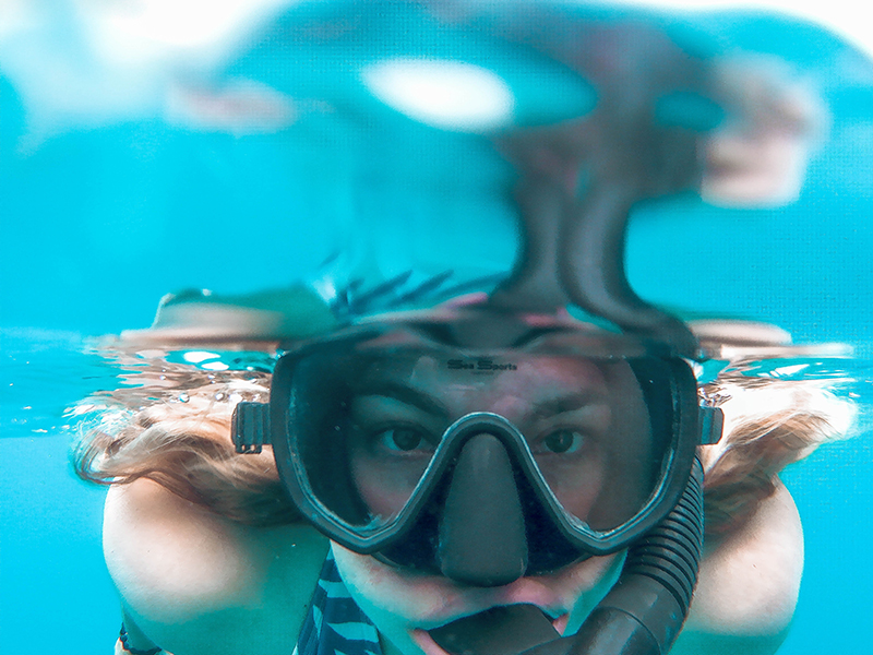 snorkle mask up close underwater shot, underwater shot, snokel