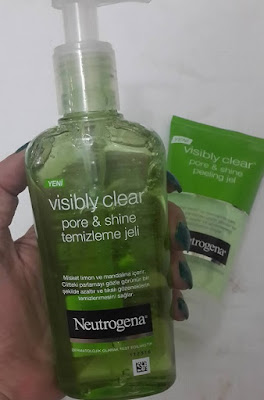 neutrogena-visibly-clear-pore-shine