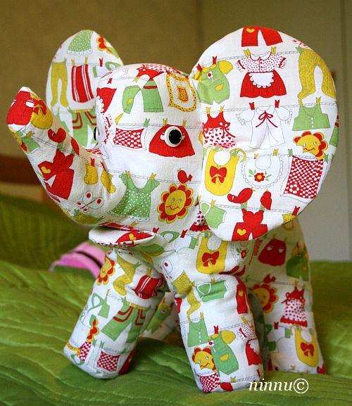yksi pieni elefantti