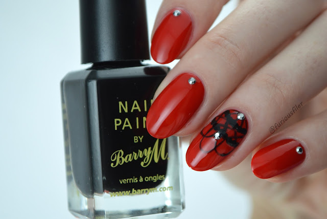 Elegant Vintage  Halloween red Addams gothic nail art