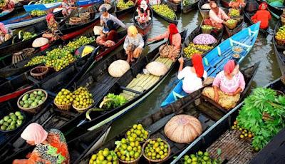 Pasar Apung Paling Unik dan Terkenal di Indonesia