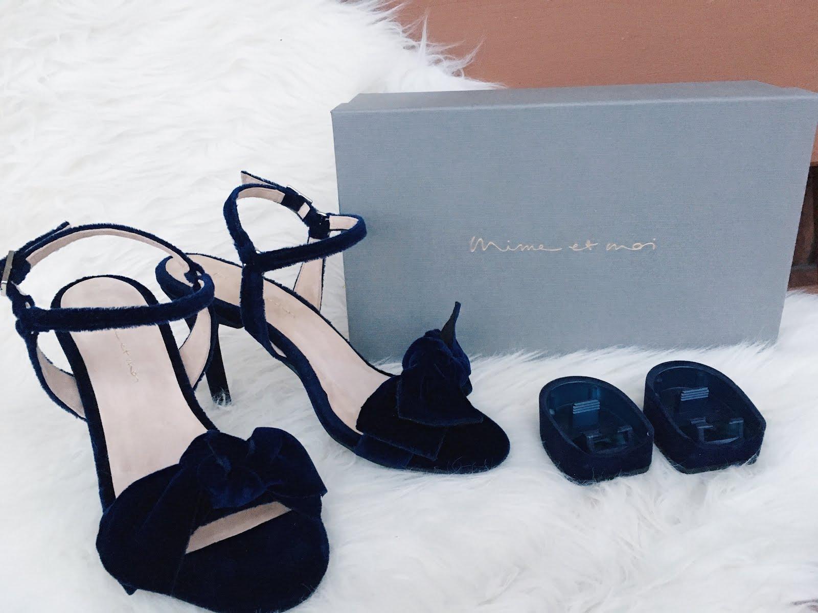 Samt Schuhe in blau kombinieren