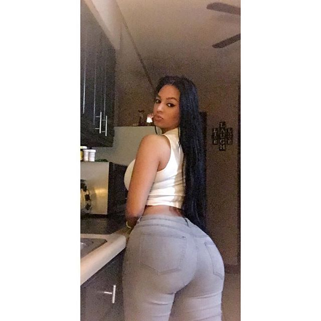 teen booty spread selfie xxx