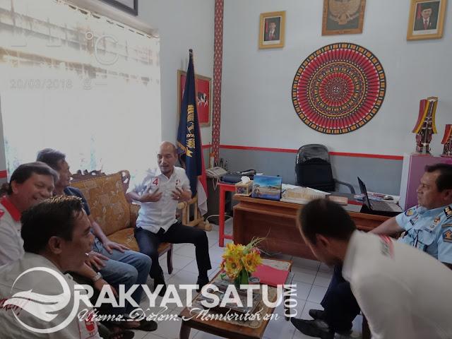 Kampanye di Toraja, Cakka Jenguk Sahabatnya di Rutan Makale