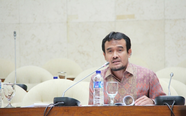 DPR Kritisi Terbitnya PMK tentang Diperbolehkannya Swasta Bangun Kilang Minyak