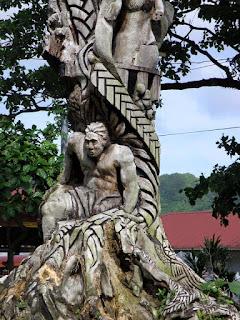 Foto Foto unik dari batang pohon - UNIK