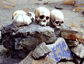 سر بحيرة الهياكل العظمية البشرية الغامضة Lake mysterious human skeletons