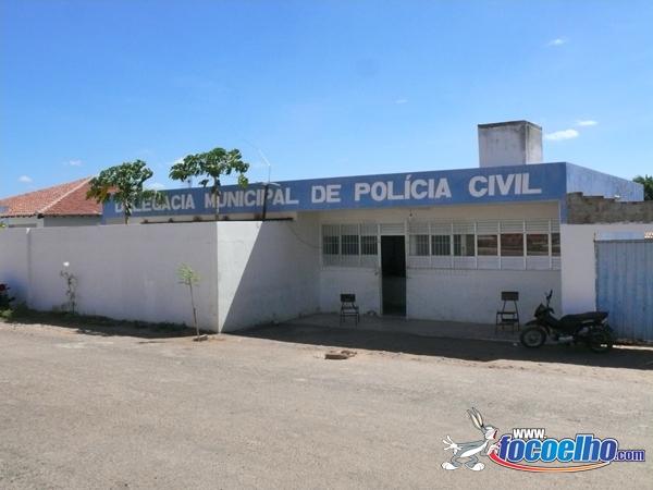 Resultado de imagem para foto do prédio da delegacia de policia civil de carnaubais