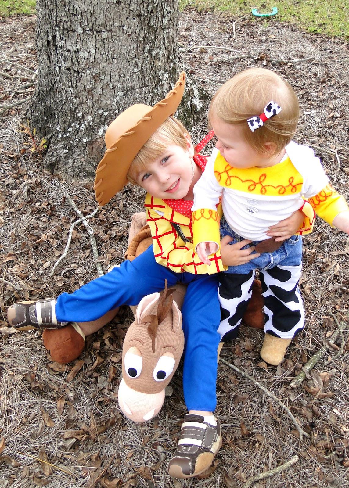 toy story halloween costumes woody jessie