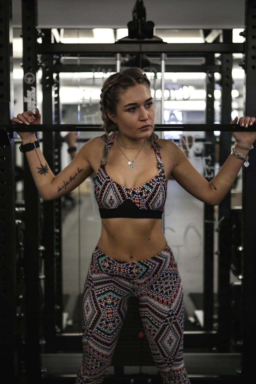 lauralamode-fitness-sport-gym-fitnessstudio-seafolly-adidas-boxkitchen-munich-home workout-muenchen