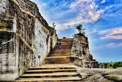 objek wisata tebing breksi yogyakarta