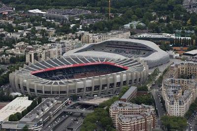 Ngỡ ngàng trước sân vận động sang chảnh nước Pháp