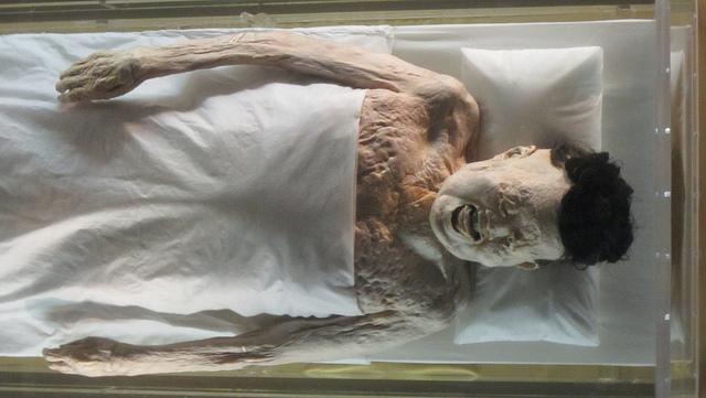 mayat Lady Xin Zhui yang masih awet dan tidak rusak walaupun berusia ratusan tahun
