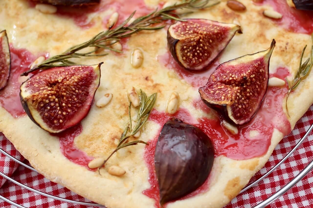 Rezept für Feigen Focaccia mit Rosmarin