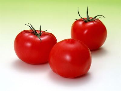 cách làm trắng da mặt bằng cà chua nhanh nhất có thể