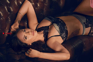 Megan-Fox-in-Frederickss-of-Hollywood-Lingerie-Pictureshoot-5+%7E+SexyCelebs.in+Exclusive.jpg