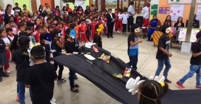 Más de 9 mil escolares de Pisco reciben materiales para refuerzo escolar