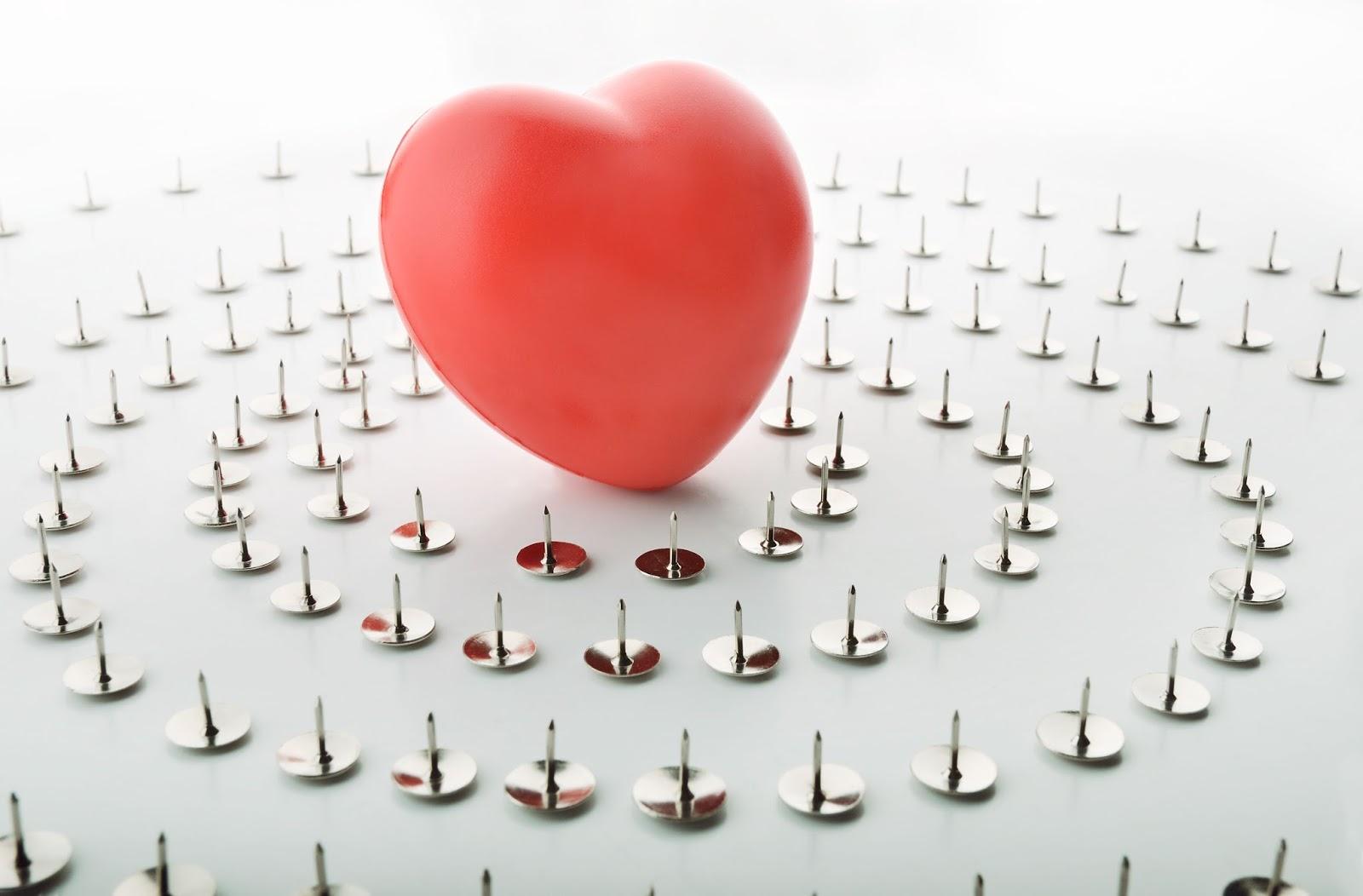 corazón acorralado por miedo