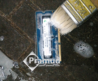 cara servis, memperbaiki ram laptop pc dengan dicuci - pramud blog