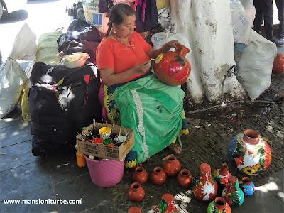 Tianguis  Artesanal de Domingo de Ramos en Uruapan: Artesana Michoacana