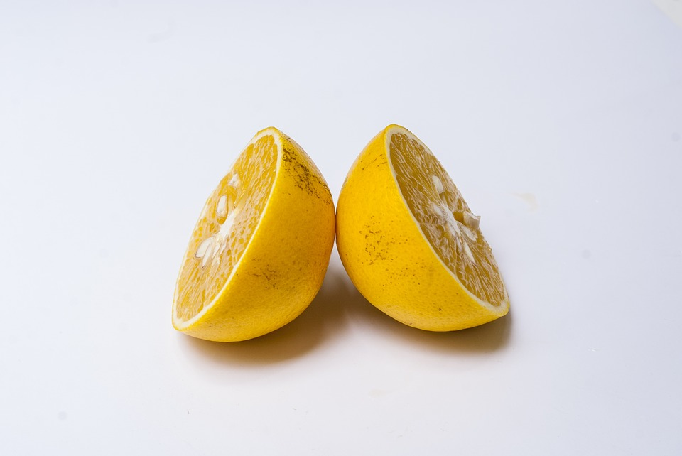 Kosmetolog wyjaśnia: Cellulit, a Cellulitis