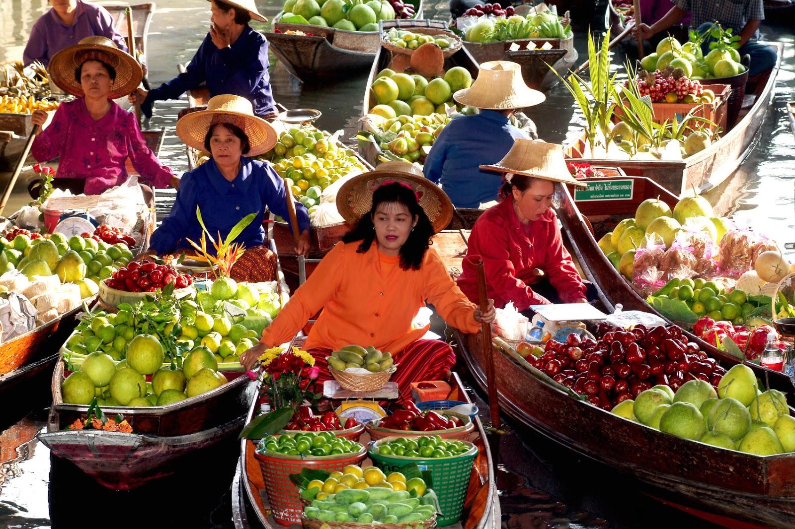 Bangkok Floating Food Market