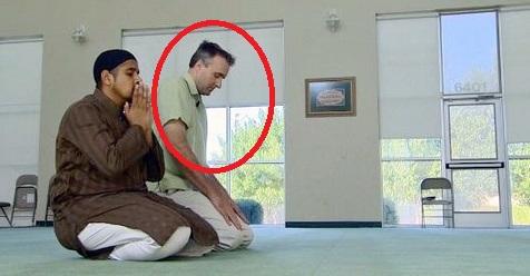 Mendapat 'Ilham' Setelah Ikut Berpuasa, Pendeta Amerika Ini Akhirnya Masuk Islam
