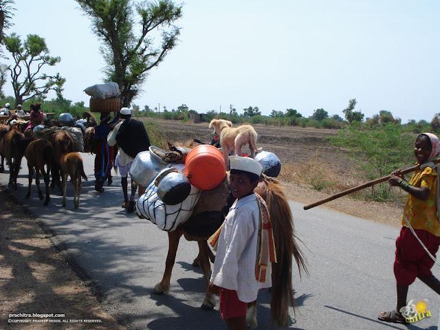 Passersby, on Ron-Badami road, en route to Pattadakal-Badami