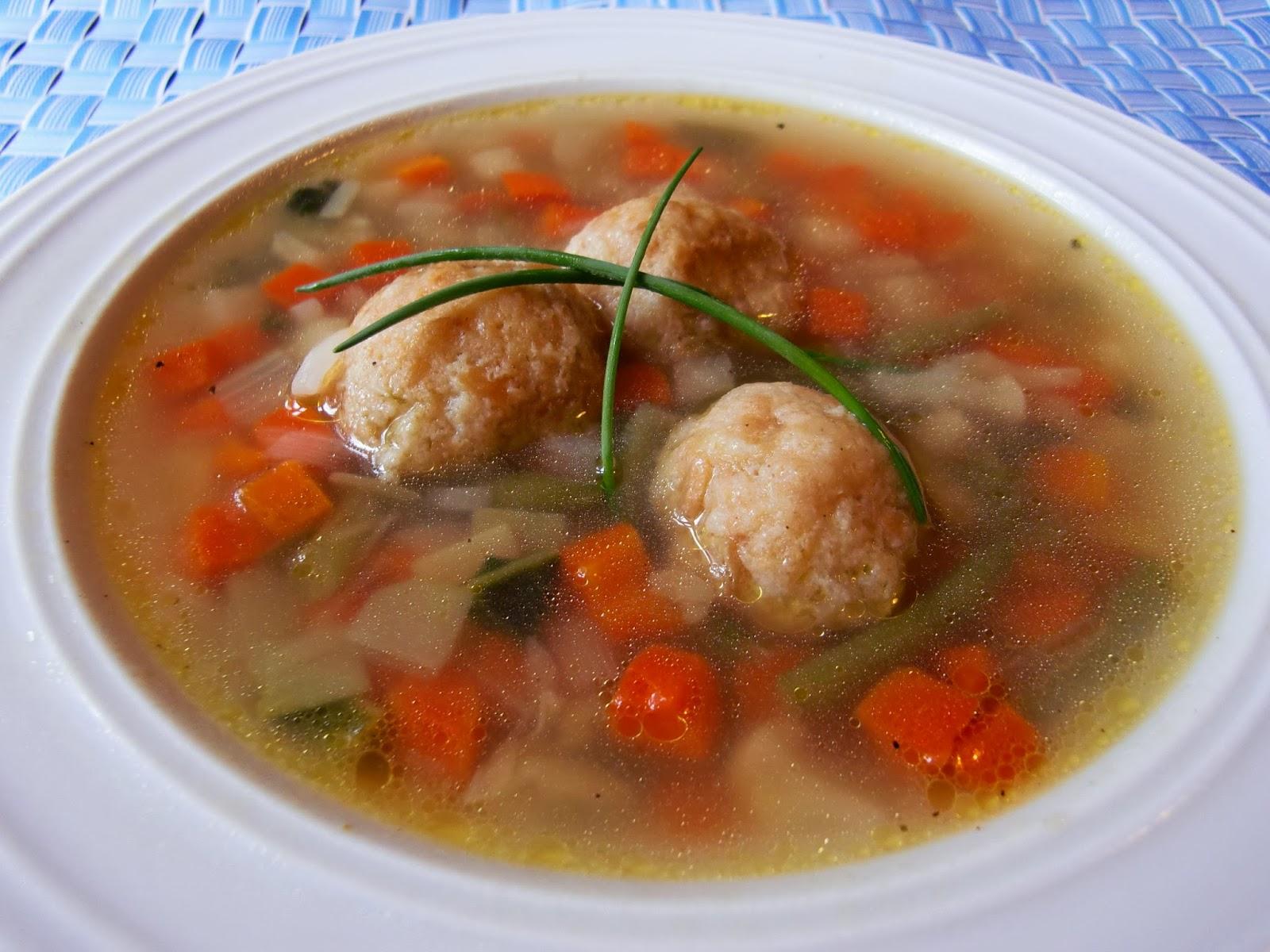 Rezept Gemüsesuppe mit Zwiebackklößchen