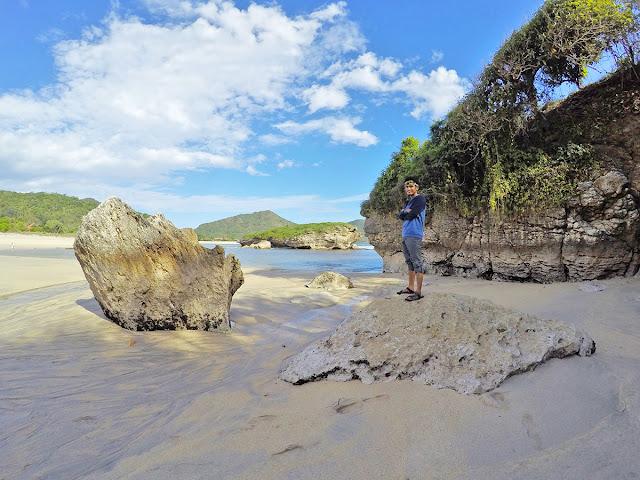Pantai Rantung, Kabupaten Sumbawa Barat