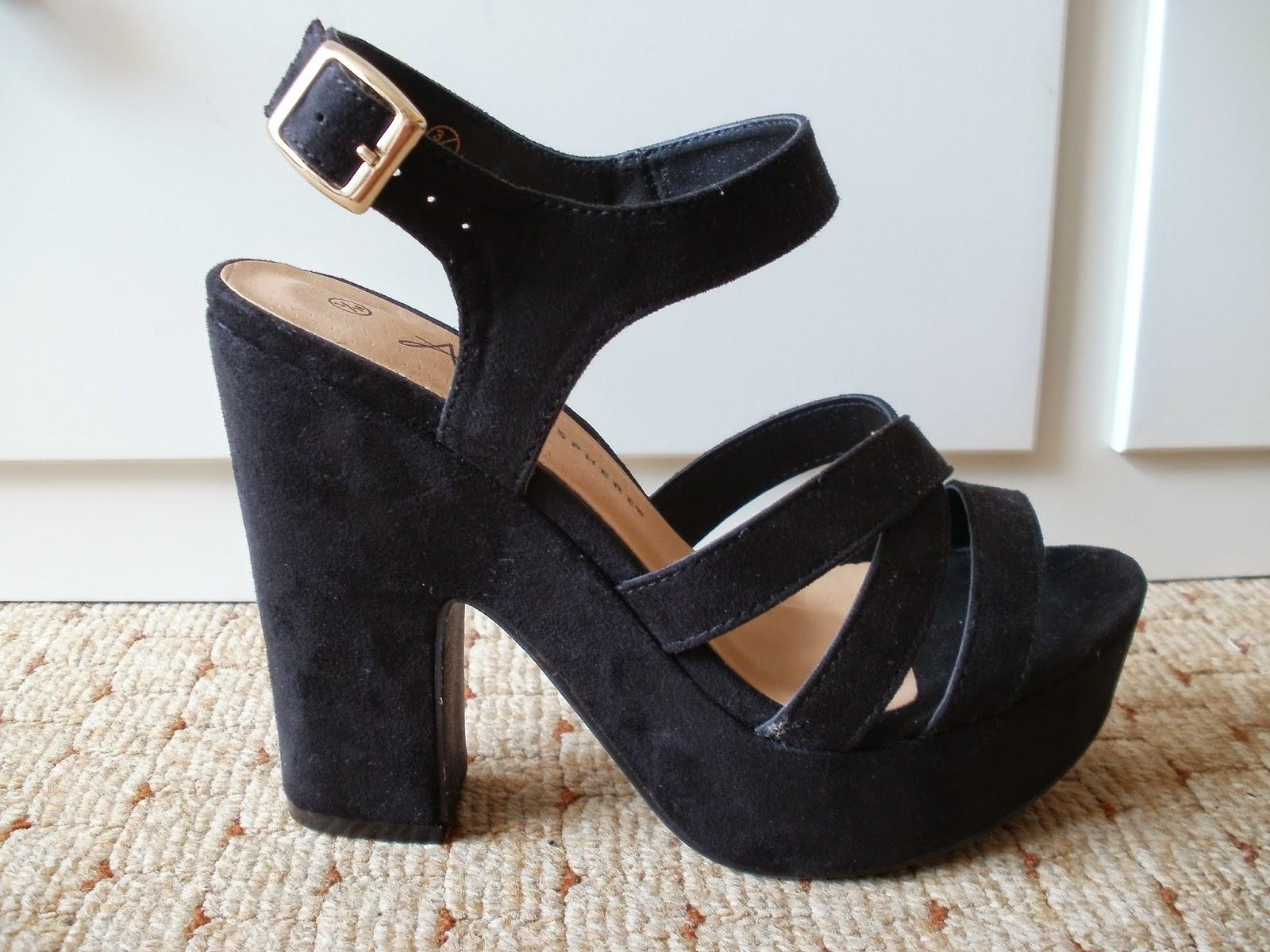 696220d37ff Porcelain Eleanor: Shoes on a Shoestring # Primark Strappy Toe ...