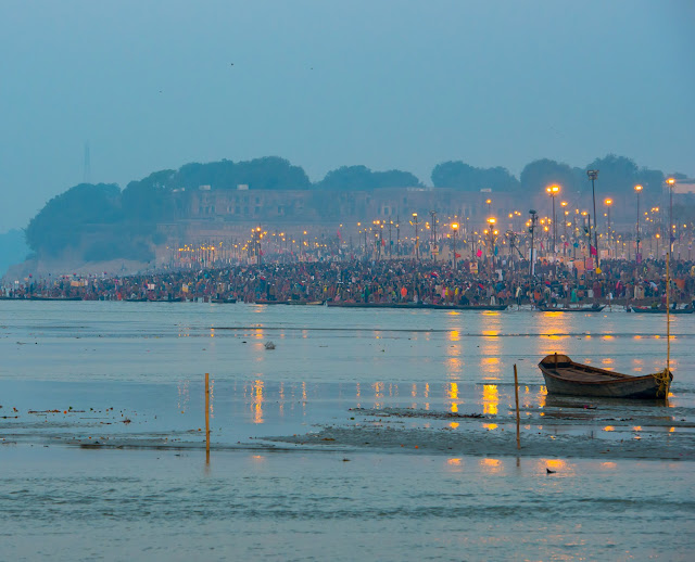 Triveni Sangam during Prayagraj Kumbh Mela, c. 2013, Wiki-Commons
