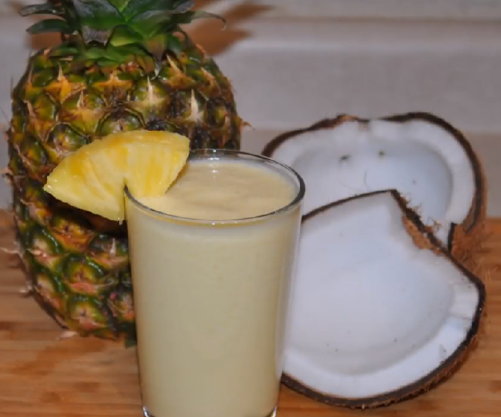 Healthy and simple pineapple coconut smoothie recipe