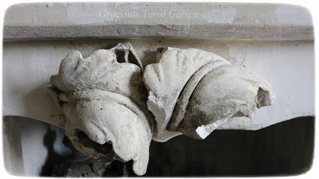 Kamin Ornament Bruch