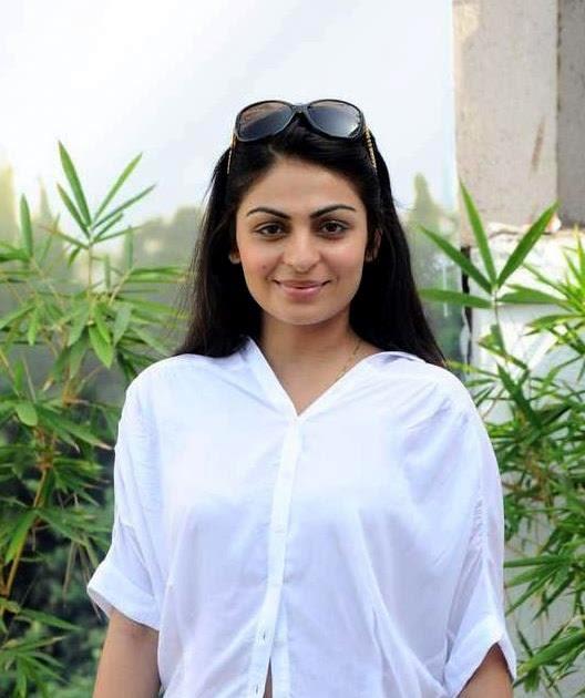 All Stars Photo Site: Neeru Bajwa Hot Photos