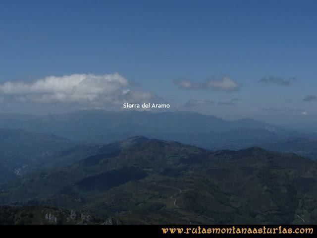 Ruta Les Campes Peña Mea: Vista de la Sierra del Aramo