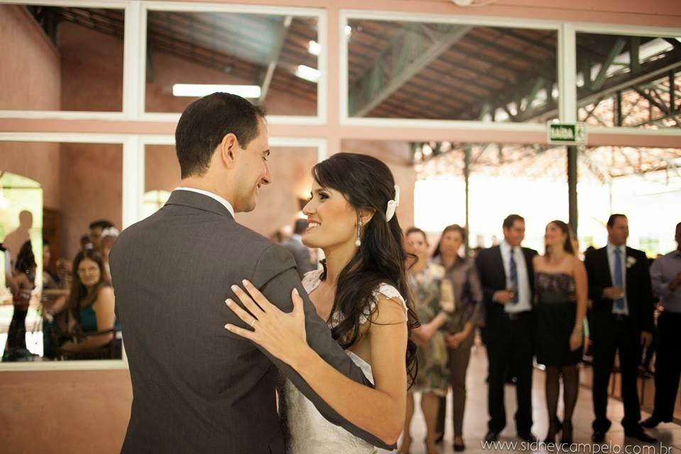 romantico-festa-noivos-primeira-danca