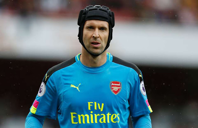 Fans blast Petr Cech for his tweet during Arsenal's 4-2 loss against Nottingham Forest