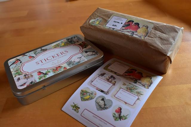 joululahjojen paketointi