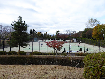 王仁公園・テニスコート